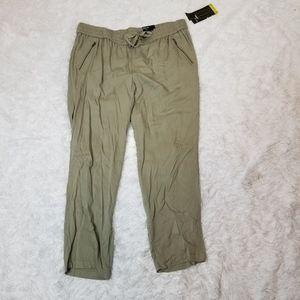 "Style & Co Woman Green ""Comfort Waist"" Pants 2X"